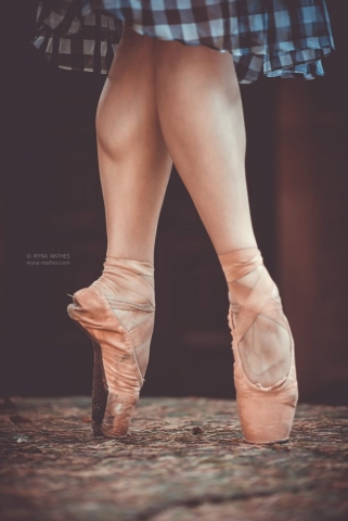 Ballet Feet. Iryna Mathes Fotografin