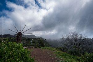 La Palma, Kanarische Inseln. Landschaft mit einer spektakulären bewölkten Himmel