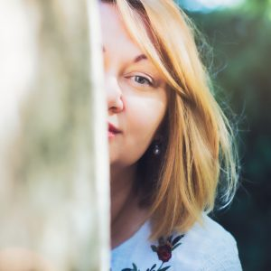 Frauenporträt. Sommerspaziergang. Schwangerschaft Fotosession. Ettlingen